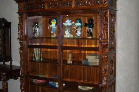 Antique & Collectible
